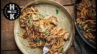 Super quick mushroom, basil and parsley spaghetti