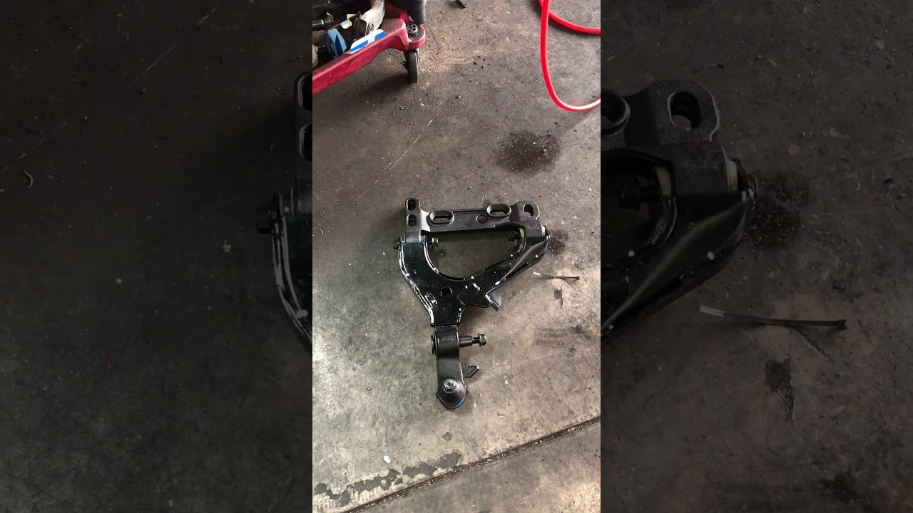 small resolution of 07 chevy trailblazer lower control arm assembly