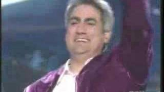 Watch Taylor Hicks Living For The City video