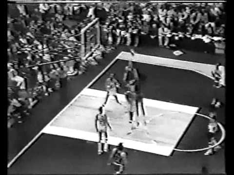 Artis Gilmore (29pts/21rebs) vs. Pacers (1973 ABA Finals)