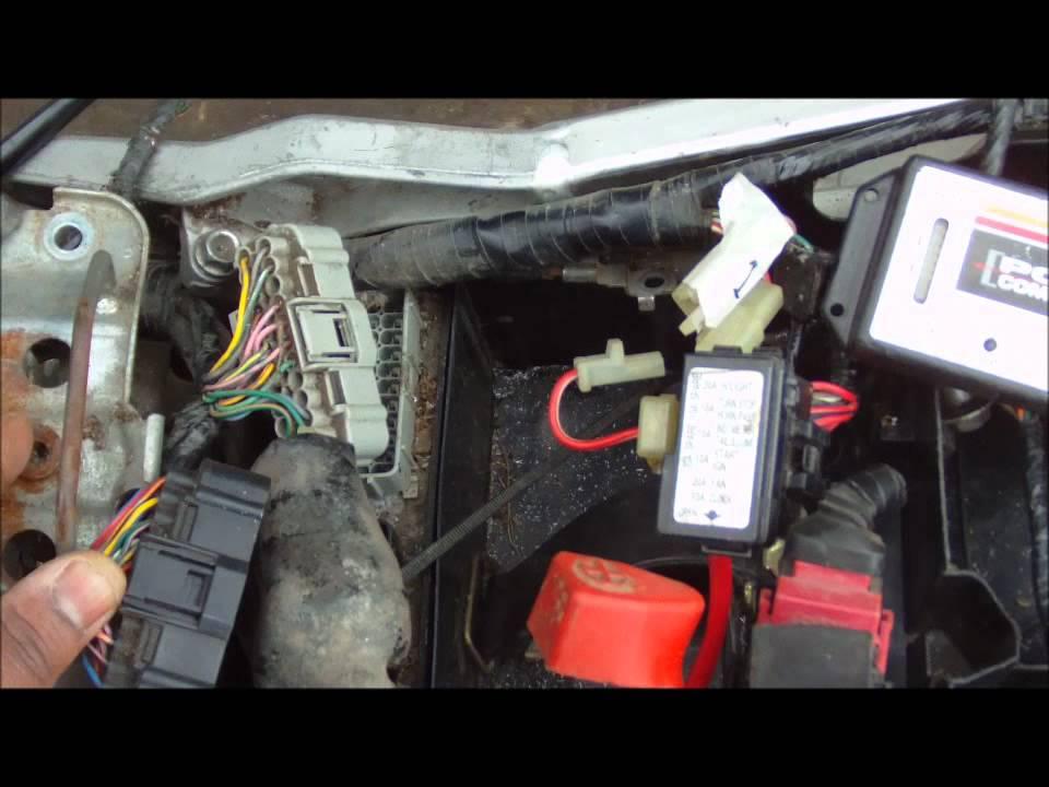 CBR 929 Main Frame Removal/Install PT1 - YouTube