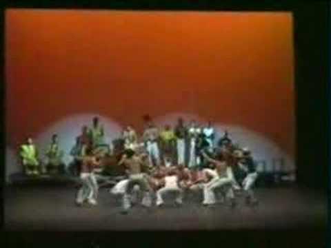 maculele gruppo capoeira