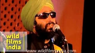 Rabbi Shergill singing Challa live!