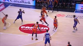 18.10.2019 / Valencia - Anadolu Efes  / Bryant Dunston