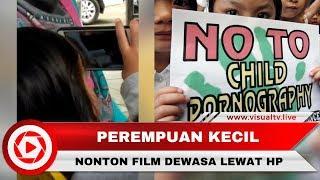 Anak Kecil Tonton Film Dewasa di Handphone, Orangtua Tidak Peduli