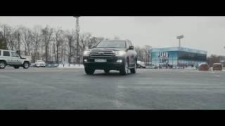 Toyota Land Cruiser 200: как работает система кругового обзора