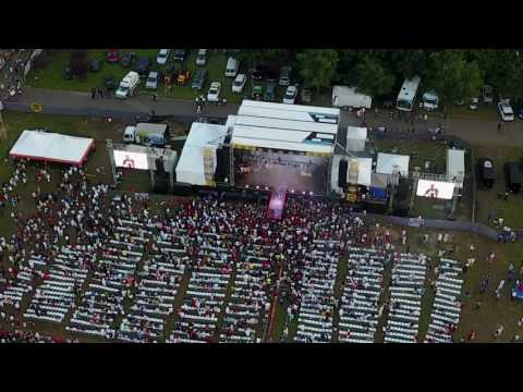 """R Kelly """"Fly by"""" @ Roy Wilkins Park 6/25"""
