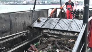 VL ru Как работает морской нефтемусоросборщик Владивосток(, 2013-07-25T05:32:59.000Z)