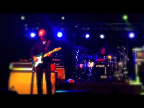 """KIM MITCHELL - """"Easy to Tame"""" Live 2011"""