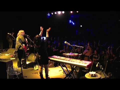 The Magic Numbers - Love Me Like You (Track 17 of 21)   Moshcam