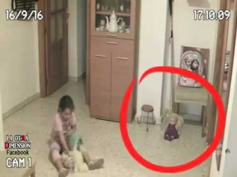 OMG! SCARY VIDEO| HER DAD PUT THE CAMERA IN THE HOUSE LOOK WHAT HE FOUND
