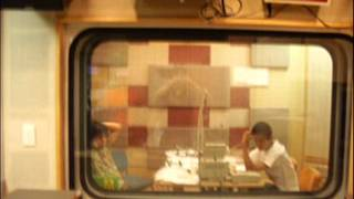平川地一丁目のギター便り 2004年8月 第20回 兄弟対決は腕相撲です。