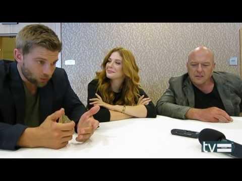 Under The Dome CBS: Dean Norris, Mike Vogel & Rachelle Lefevre s