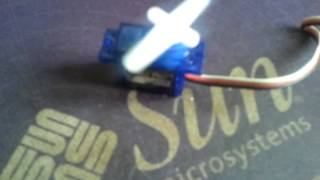 Arduino servo, 0 - 180 - 0 loop (continuous)
