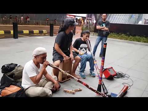 Didgeridoo buskers, ecotic music,Spirit of Meditation