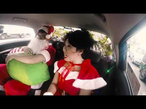 Riding in Taxis with Singaporean Santarinas : Ep 1