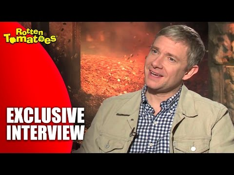 The Hobbit Star Martin Freeman Loves His Slippers - 'The Desolation of Smaug' Interview (2013)
