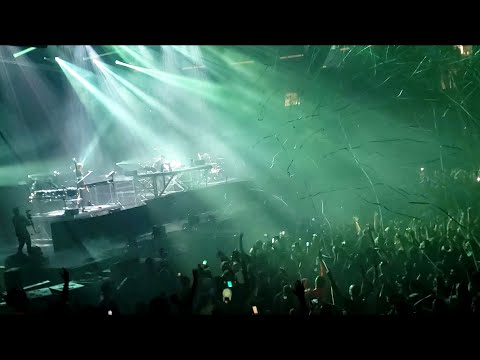 Illenium - CRAWL OUTTA LOVE With Annika Wells (LIVE At MSG) 9/21/19