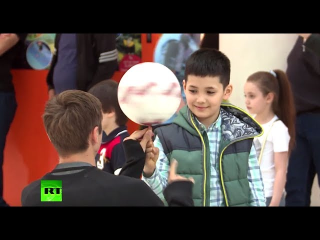 Confederations Cup: Stan & Neil check out Russians' football skills