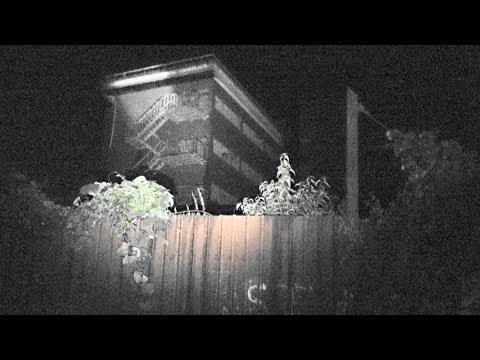 少女2人が車ごと消えた【神隠しホテル・坪野鉱泉】日本を代表する未解決事件、富山県最強の心霊スポット 。夜行ってみた。新しい有刺鉄線バリケードが作られ、屋上のエレベータにテディベアが投棄。