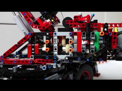 A Look Inside! LEGO Rough Terrain Crane (42082)