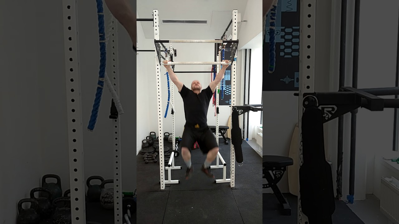 WORLD RECORDS:  MOST LEG-ASSISTED PULL-UPS in 1 MINUTE (MALE) 72 REP CAM 1