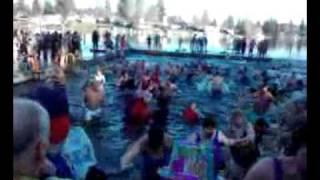 Video 2011 Polar Bear Jump Olympia WA download MP3, 3GP, MP4, WEBM, AVI, FLV September 2018