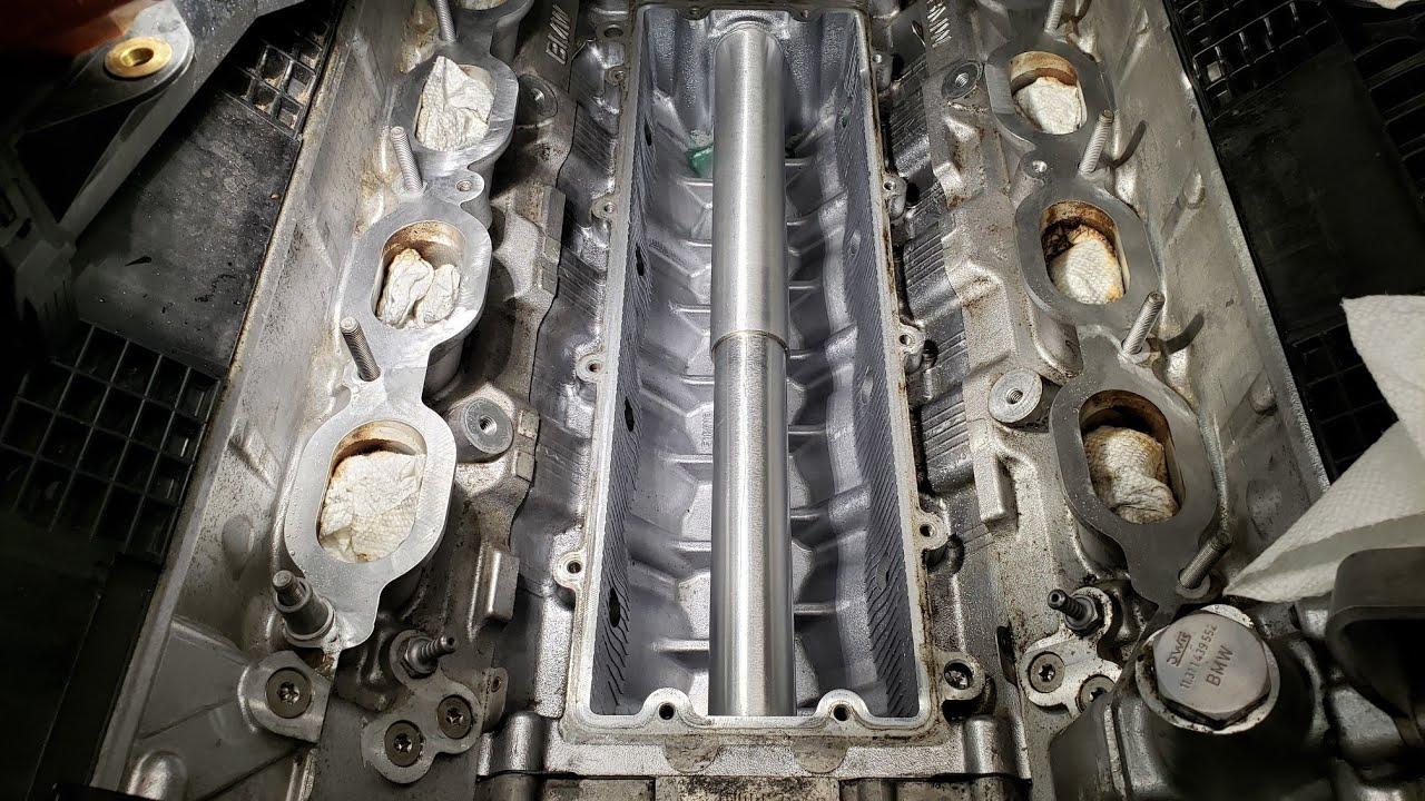 Ремонт моей 2009 BMW X5 e70. Устранение течи масла и замена поперечной трубы антифриза.