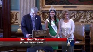 Sen. Hansen welcomes asparagus queen to Michigan Senate
