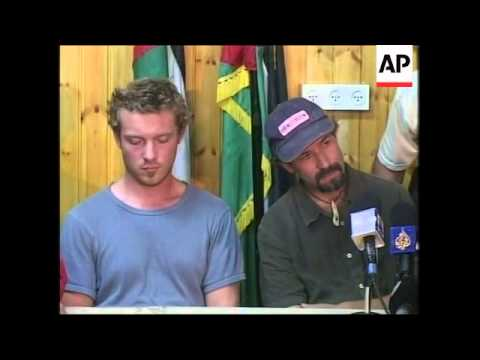 Palestinian gunmen release kidnapped British and US journalists