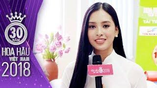 Hoa hậu Trần Tiểu Vy để mặt mộc khoe nhan sắc rạng rỡ của tuổi 18