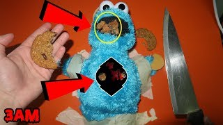 (CREEPY) CUTTING OPEN COOKIE MONSTER AT 3AM | WHATS INSIDE HAUNTED COOKIE MONSTER? [MUST WATCH]