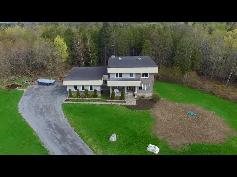 For Sale: 109 Country Carriage Way Ottawa, ON $599,900