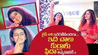 Priya Prakash Varrier amazing live performance on stage
