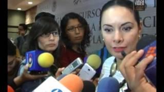 Artesanos michoacanos reciben apoyos económicos