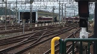 近鉄大阪線 名張駅 1番線伊勢中川行普通➡️2番線賢島行特急