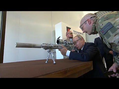 هكذا أطلق بوتين رصاص كلاشينكوف بنفسه  - نشر قبل 26 دقيقة