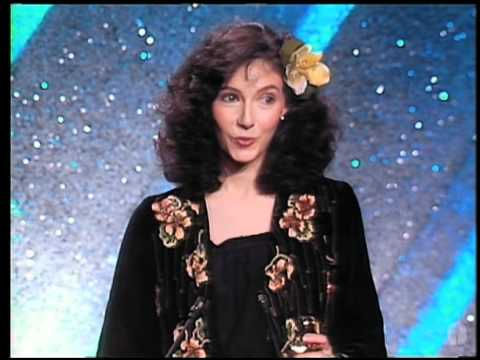 Mary Steenburgen winning Best Supporting Actress