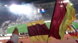 Roma -milan 2010 Curva sud..io me ne frego della diffida.AVI