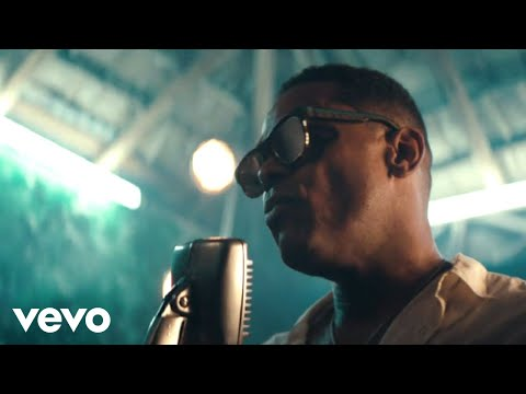 Maxwell - Lake By the Ocean (Video)
