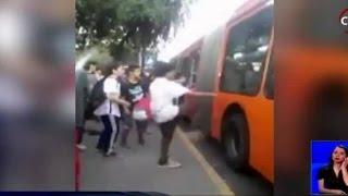Video registra violento enfrentamiento de adolescentes en parque Balmaceda - CHV Noticias