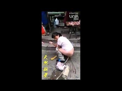 Ibu Ini Tiba Tiba Saja Melahirkan Bayinya Di Jalanan