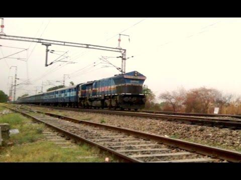 Amritsar - Bilaspur Chhattisgarh Express with TKD WDP4B #40004