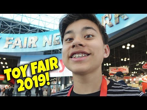 NEW YORK TOY FAIR 2019 - Fortnite Toys & Pikmi Pops At Moose Toys!