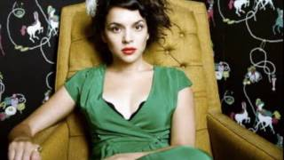 Norah Jones - The Nearness Of You.