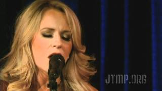 "Deana Carter ""Strawberry Wine"" LIVE Kids Rock Free"