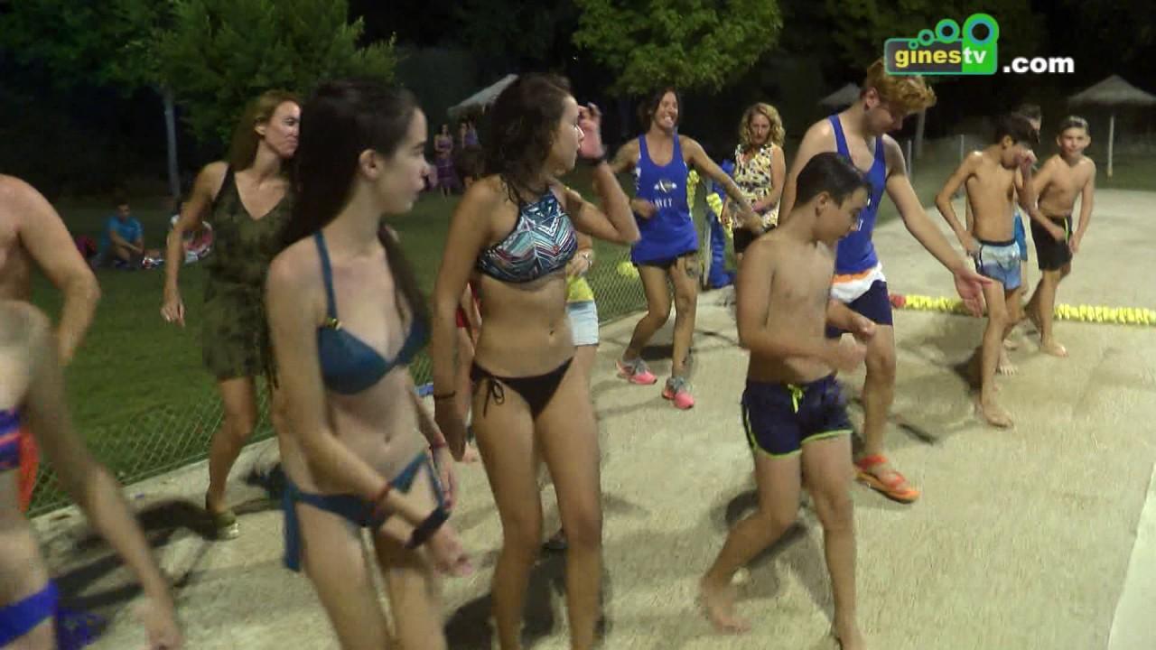 Deporte y diversión en la refrescante Fiesta Nocturna en la Piscina Municipal