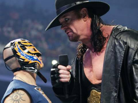 SmackDown: Rey Mysterio calls out The Undertaker - YouTube