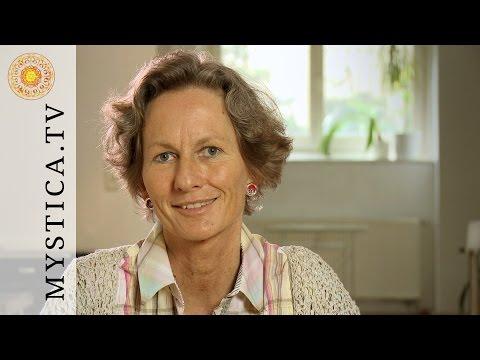 MYSTICA.TV: Annegret Hallanzy - Synergetisches Miteinander ist die Zukunft!