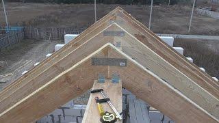 видео Стропильная система двухскатной крыши, ее конструкция, схема и устройство + Видео
